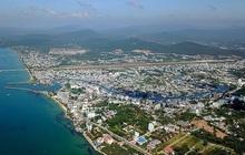"""Vì sao Phú Quốc lên thành phố, bất động sản nơi """"nóng"""" chỗ vẫn """"lạnh""""?"""