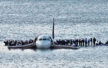 Phép lạ trên sông Hudson: Máy bay gặp nạn hạ cánh khẩn cấp xuống dòng sông, 155 người sống sót không hề hấn gì
