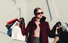 Đổ xô mua sắm trả thù vì cảm giác 'thiếu sang trọng' quá lâu