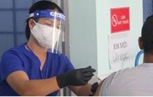 Lần đầu tiên tiêm vaccine Sputnik V cho người dân ở TP.HCM