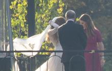 Tỷ phú Bill Gates cùng vợ cũ làm lành, dắt tay con gái trong hôn lễ đẹp như mơ