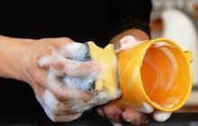 Bát đĩa, đũa rửa bằng chất tẩy rửa lâu ngày có gây ung thư? Sử dụng chất tẩy rửa an toàn cần ghi nhớ 4 điểm