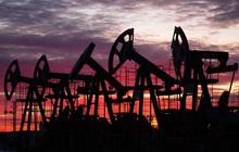 """Sau than và khí đốt, thị trường dầu mỏ có thể đang bước vào kỷ nguyên khủng hoảng do """"đỉnh kép"""" của cung và cầu lệch thời điểm"""