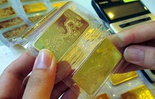 Giá vàng, USD ngân hàng và USD tự do đồng loạt giảm
