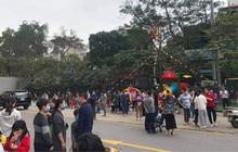 Hà Nội: Cháy ở chung cư Mipec Long Biên, người già, trẻ nhỏ chạy bộ từ tầng 9 xuống đường
