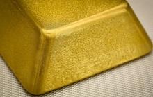 Trải qua một tháng tồi tệ nhất 4 năm qua, vàng đang dần ổn định