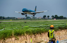 Bộ GTVT yêu cầu đánh giá năng lực nhà thầu sửa sân bay Nội Bài và Tân Sơn Nhất