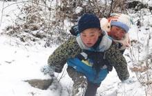 Ba năm sau bức ảnh cõng em trai xuống núi dưới cái rét -11 độ, cậu bé 9 tuổi ngày nào đã lớn phổng và đẹp trai, đã vậy còn học giỏi và có năng khiếu đặc biệt