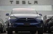 Hô hào giá lên 2.000 USD, vị tỷ phú này vừa bán 1,8 triệu cổ phiếu Tesla