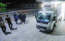 Vaccine phòng Covid-19 từ kho TP.HCM đã đến Hà Nội, sẵn sàng cho buổi tiêm đầu tiên vào ngày mai