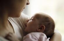 """Bà mẹ trẻ thú nhận """"có suy nghĩ tiêu cực làm hại con"""", rung lên hồi chuông cảnh báo về trầm cảm sau sinh"""