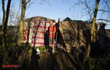 """""""Xóm vô gia cư"""" bên cạnh trụ sở 5 tỷ USD của Apple"""
