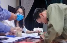 Tận thấy cảnh thu tiền 'chênh' làm căn cước công dân gắn chíp ở Hưng Yên
