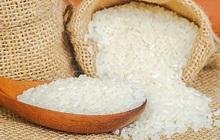 Giá gạo xuất khẩu của Việt Nam và Ấn Độ lao dốc xuống thấp nhất nhiều tháng