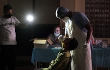Ấn Độ vừa ghi nhận số ca nhiễm Covid-19 lớn nhất thế giới từ trước đến nay, mạng xã hội tràn ngập lời kêu cứu