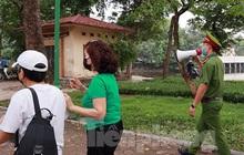 Hà Nội lập chốt ngăn người dân 'vượt rào' tập thể dục ở công viên, vườn hoa