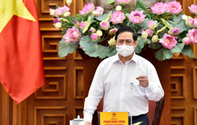 Thủ tướng ký ban hành Nghị quyết về mua vaccine Covid-19 để triển khai tiêm diện rộng cho dân