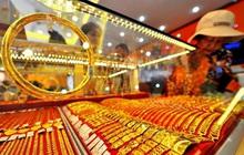 Giá vàng trong nước nhích nhẹ, vàng thế giới tiếp tục chinh phục mức cao mới trên 1.820 USD/ounce