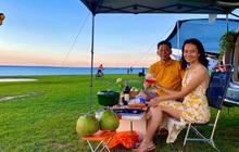Cặp vợ chồng biến ô tô thành lều trại đi camping khắp nơi, tiện đâu ngủ đó mà sang trọng không thua khách sạn