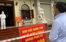 """Vụ """"báo giá"""" 650.000 tiền tiêm vắc xin COVID-19 ở Yên Bái: Chủ tịch huyện nói không yêu cầu dân trả tiền"""