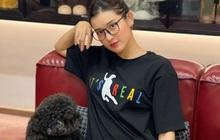 """Bông hậu đầu tiên của Vbiz sở hữu chiếc áo phông """"cú ngã để đời"""" của Văn Toàn"""