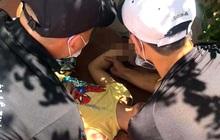 Bé trai rơi từ cửa sổ tầng 5 chung cư ở Hà Nội