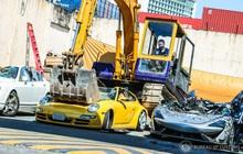 Cảnh loạt xe sang giá triệu USD bị máy xúc cán bẹp gây xót xa cho các tín đồ tốc độ