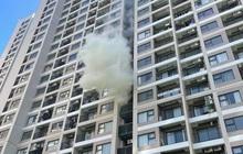 Hà Nội: Cháy khu vực đặt cục nóng điều hoà chung cư cao cấp giữa trời nắng 40 độ