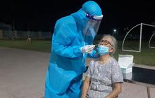 Con trai 4 tuổi dương tính SARS-CoV-2 sau khi mẹ mắc Covid-19