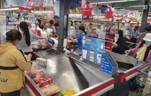 """Khánh Hòa: Tạm ngừng hoạt động chợ truyền thống, dân đổ xô đi siêu thị """"gom"""" hàng"""