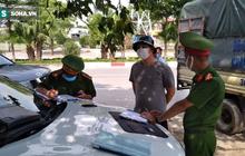 Xử phạt ra đường không thực sự cần thiết: Người bị quay xe, người vùng vằng không chịu ký biên bản