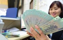 """""""Soi"""" thu nhập nhân viên của 15 ngân hàng: Ai tăng mạnh nhất trong nửa đầu năm?"""