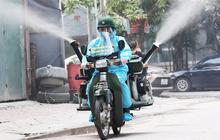 Chỉ Việt Nam mới có: Chế Honda Dream thành xe phun khử khuẩn lưu động, công suất tương đương sức 100 người