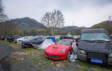 Xót xa toàn siêu xe, xe siêu sang tại nghĩa địa ô tô Trung Quốc: Rolls-Royce, Porsche, Corvette vứt cả đống, từ từ mục nát