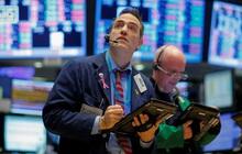 Số liệu việc làm gây thất vọng, Dow Jones mất hơn 300 điểm