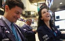 Cổ phiếu năng lượng và du lịch 'hồi sinh', S&P 500 chạm mức cao nhất mọi thời đại