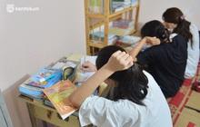 """""""Quay cuồng"""" cảnh học online trong gia đình 8 người con ở Hà Nội: Đứa mượn điện thoại, đứa đi học nhờ, đứa tranh thủ học ké khi anh chị được ra chơi"""