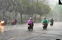 Vùng áp thấp gây mưa lớn diện rộng Trung Bộ, Nam Bộ