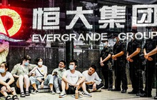 Tuần định mệnh của Evergrande: Khi quốc gia tỷ dân nghỉ lễ trung thu, giới đầu tư toàn cầu căng thẳng theo dõi từng diễn biến, đồng tệ chịu nhiều áp lực