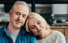 """60 tuổi nên làm gì? 2 thứ không """"kết giao"""", 2 thứ không """"đụng vào"""" để cuộc sống xế chiều luôn vui khỏe, lành mạnh: Điều thứ 4 mọi độ tuổi đều phải tránh xa"""
