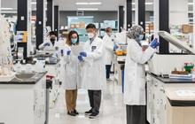 Chủ tịch nước Nguyễn Xuân Phúc gặp mặt lãnh đạo Vingroup và đối tác chuyển giao công nghệ vaccine Covid-19 tại Mỹ