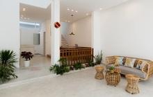 Căn nhà phố màu trắng gọn xinh ấm cúng của cặp vợ chồng trẻ Đà Nẵng có chi phí hoàn thiện 1,4 tỷ đồng