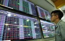 """Chốt lời cổ phiếu, nhà đầu tư chứng khoán """"đổ tiền"""" sang bất động sản?"""