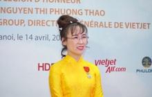 Nữ doanh nhân Nguyễn Thị Phương Thảo nhận huân chương Bắc đẩu bội tinh