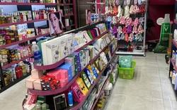 Tổng kiểm tra 4 điểm kinh doanh mỹ phẩm có dấu hiệu vi phạm