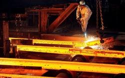 Giá sắt thép ngày 26/5 giảm tiếp 6% do áp lực từ chính sách của Trung Quốc và thời tiết xấu