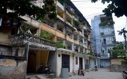 Người Thủ đô thót tim sống trong chung cư nứt nghiêng vá víu