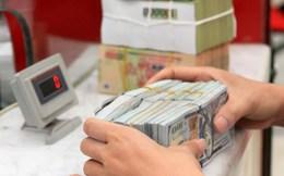 Giá USD ngân hàng bật tăng mạnh lên sát mức trần