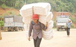 Thực trạng lợi dụng cư dân biên giới vận chuyển hàng lậu