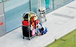 """Tôi đi làm phu vác hành lý sân bay: Bài 3-""""Chôm"""" đồ sân bay vì lương thấp?"""